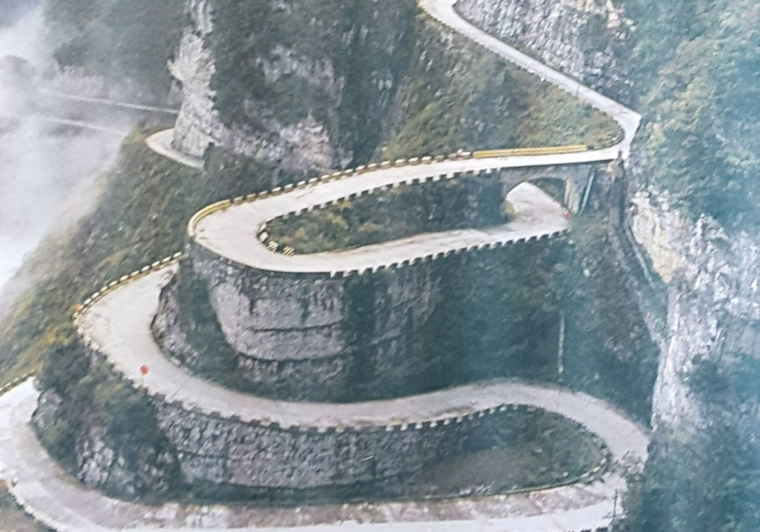 Tianmen Mountain winding road , Zhangjiajie